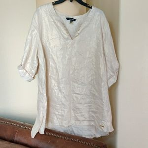 Never Worn Ellen Tracy Top, but without a tag